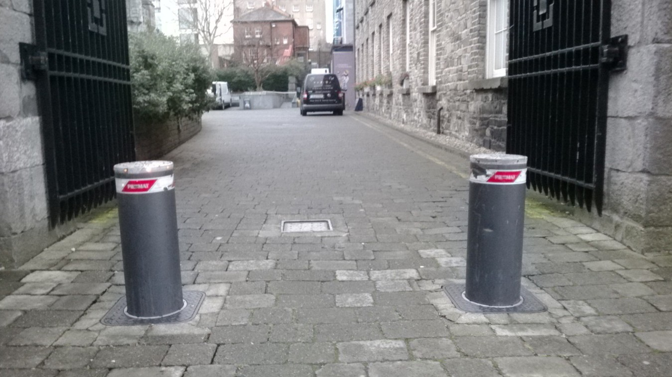 Automated-Security-Bollards-3