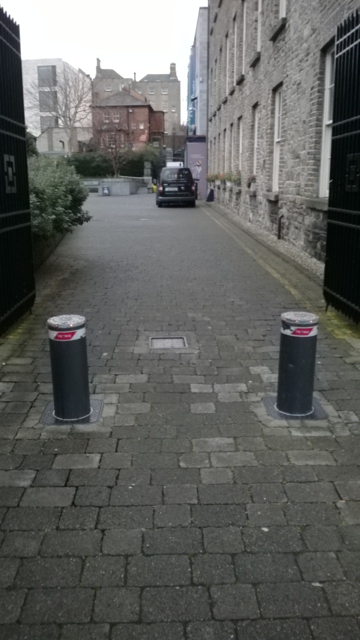Automated-Security-Bollards-4