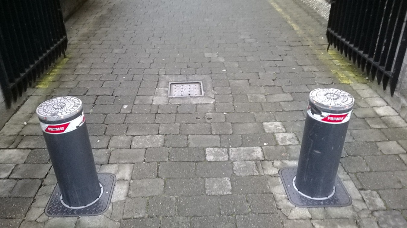 Automatic-Security-Bollard-Installation