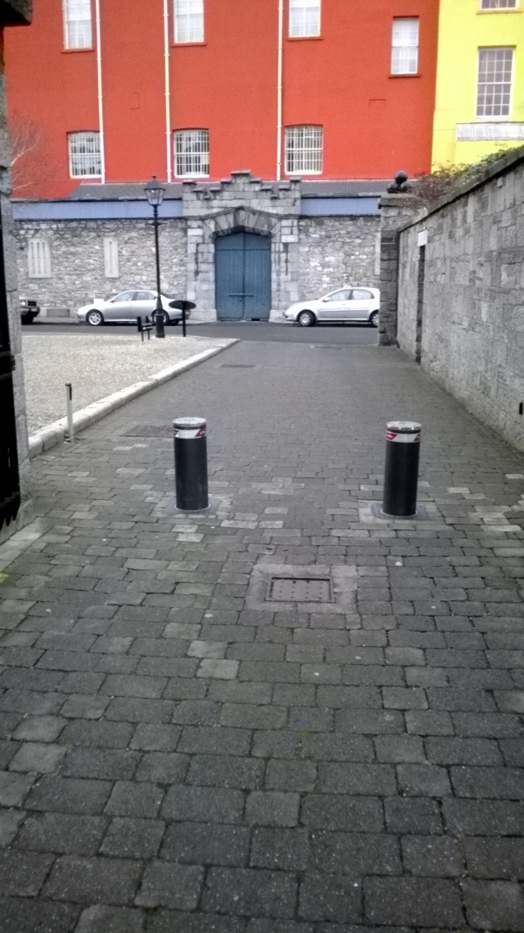 Commercial-Automated-Security-Bollard-Installation-2